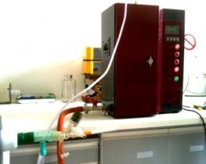 Impacteur électrostatique à 13 plateaux et dispositif expérimental