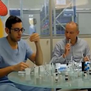 Les aromaticiens de Flavour Art en plein test de E-liquide